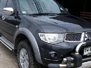 Mitsubishi triton plus 2.4 cng ปี 2012 เกียร์ธรรมดา รถบ้านมือเดียว เบาะเดิมๆแท้สีดำ