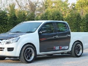ขายรถบ้าน isuzu dmax all new สีขาว เกียร์ธรรมดา  พร้อมของแต่ง