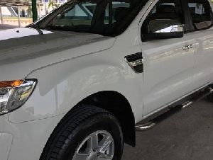 ขายดาวน์ Ford Ranger 2.2 DOUBLE CAB Hi Rider XLT เกียร์ออโต้ สีขาว สภาพสวยมาก