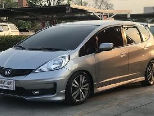 Honda Jazz JP 1.5 ตัว Top ปี12 รถบ้านเจ้าของขายเอง ทั้งประเทศมี 300 คัน