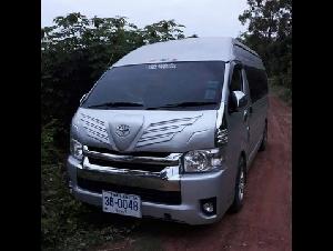ขายรถตู้ Toyota รุ่น COMMUTER VIP 10 ที่นั่ง มือเดียว รถรับจ้างไม่ประจำทางส่วนบุคคล