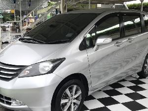 ขาย HONDA FREED 1.5 EL รุ่นท็อป สีเงิน ปี2012 รถบ้าน(ไม่ใช่รถ เต้นท์)เจ้าของขายเอง