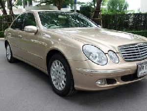 Benz E220 ดีเซล Auto 5 speed